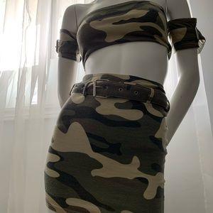 2 piece set. Skirt & crop top